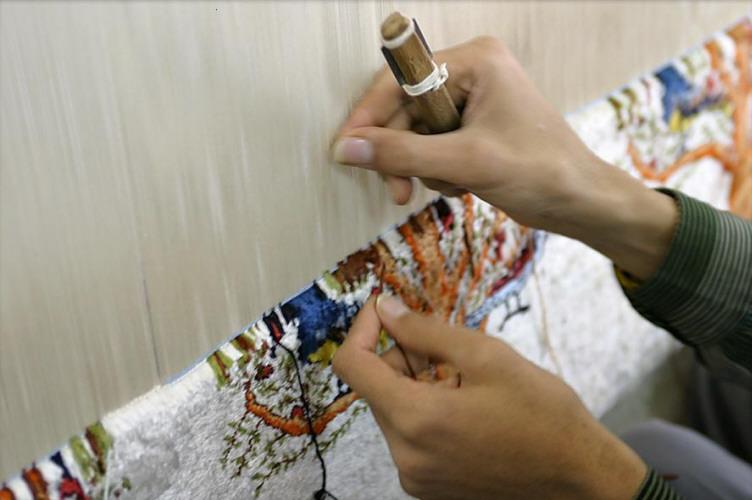 صناعة السجاد Syrian carpet